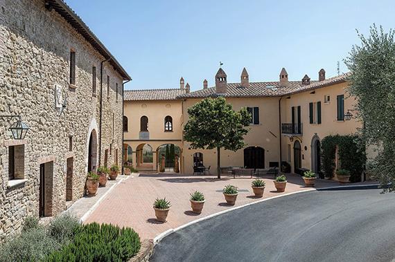 pretty nice 84321 5858c Scuola di Solomeo | Impresa umanistica | Brunello Cucinelli